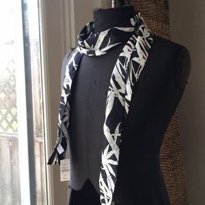 NWT Talbots black & cream bamboo scarf